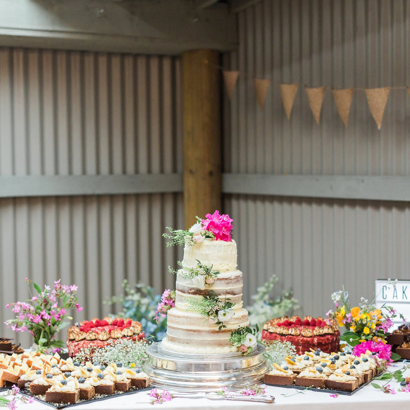 Cakes   | Rosewood Cakes | Three Sister Bake | Kimmy's Cakes | Suzanne Esper | Happy Hills Cakes |