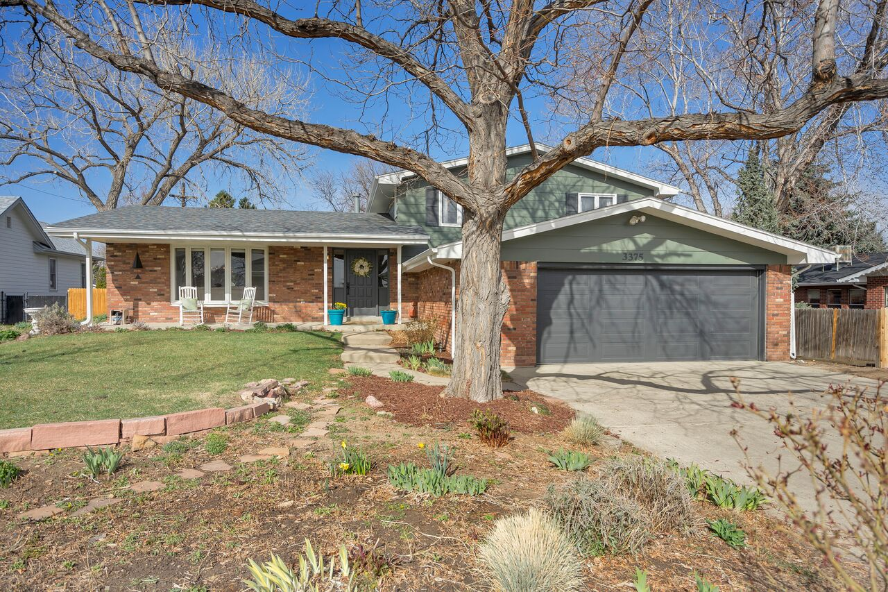 Photographs that maximize curb appeal are important when selling a home.