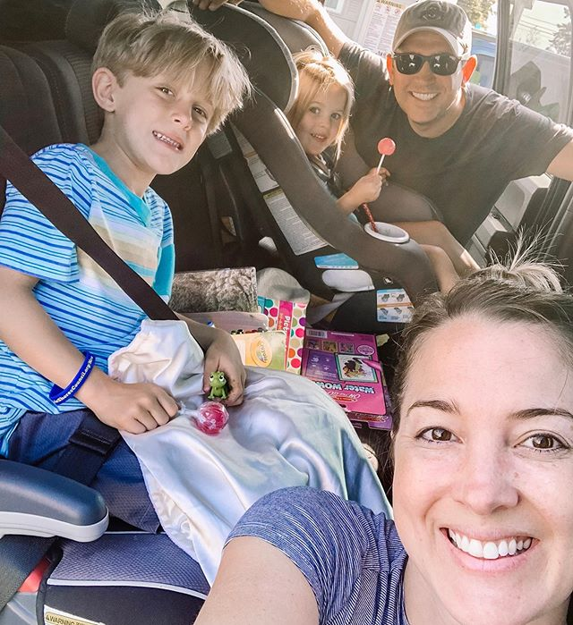 Road trip!! We've got movies, candy, coloring books and video games. These next 10 hours are a no judgement zone - the kids can do whatever they want as long as they are quiet and stay buckled. 😂 how many hours of Instagram do you think I will consume today??🤪