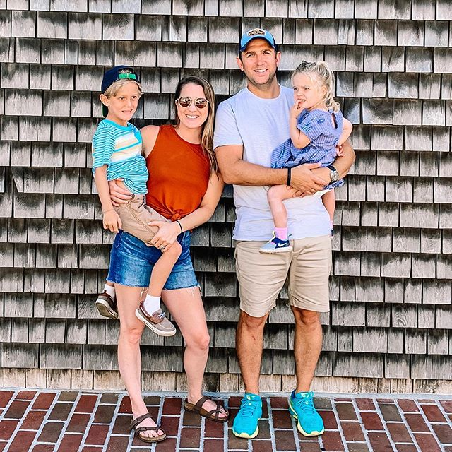 Every year we try to visit a a new Cape Town while on vacation. ☀️ This year we finally made it to Martha's Vineyard and it was so cute! What a great day.