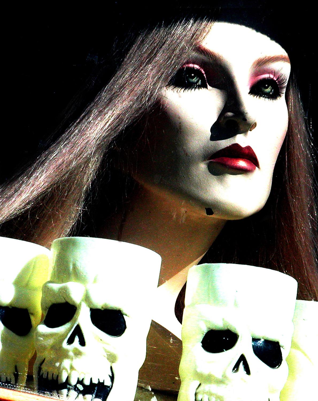 chick+skulls_v2.jpg