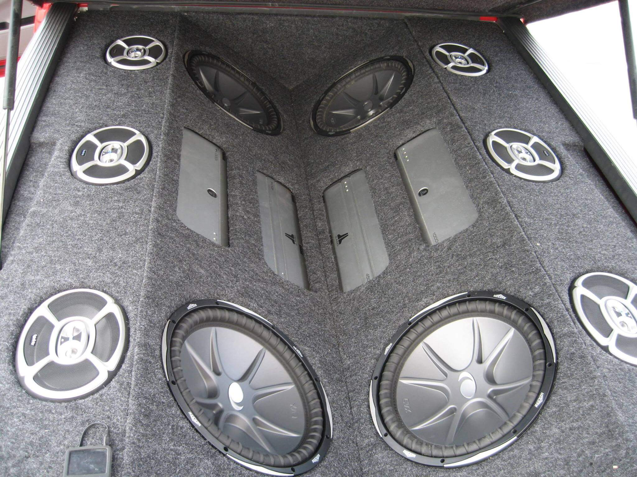 Come to Stereo Depot in San Diego and El Cajon for car audio installation