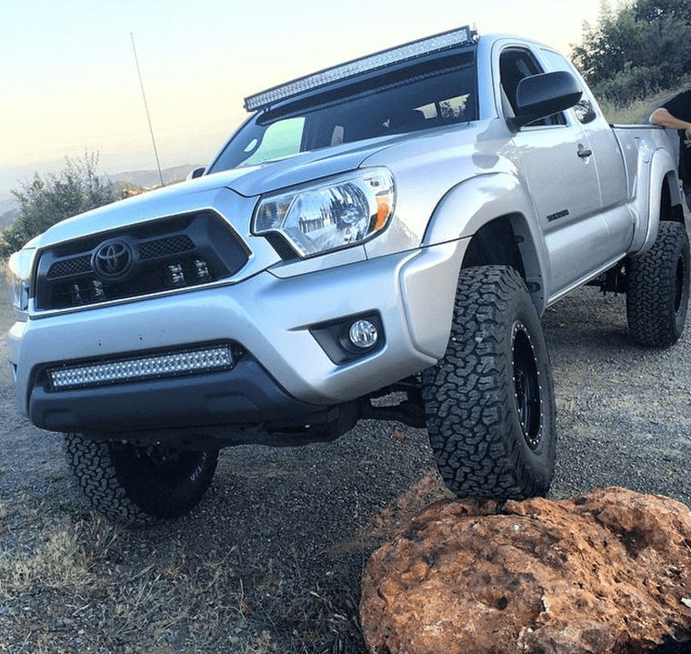 Install a truck lift kit to offroad in San Diego.