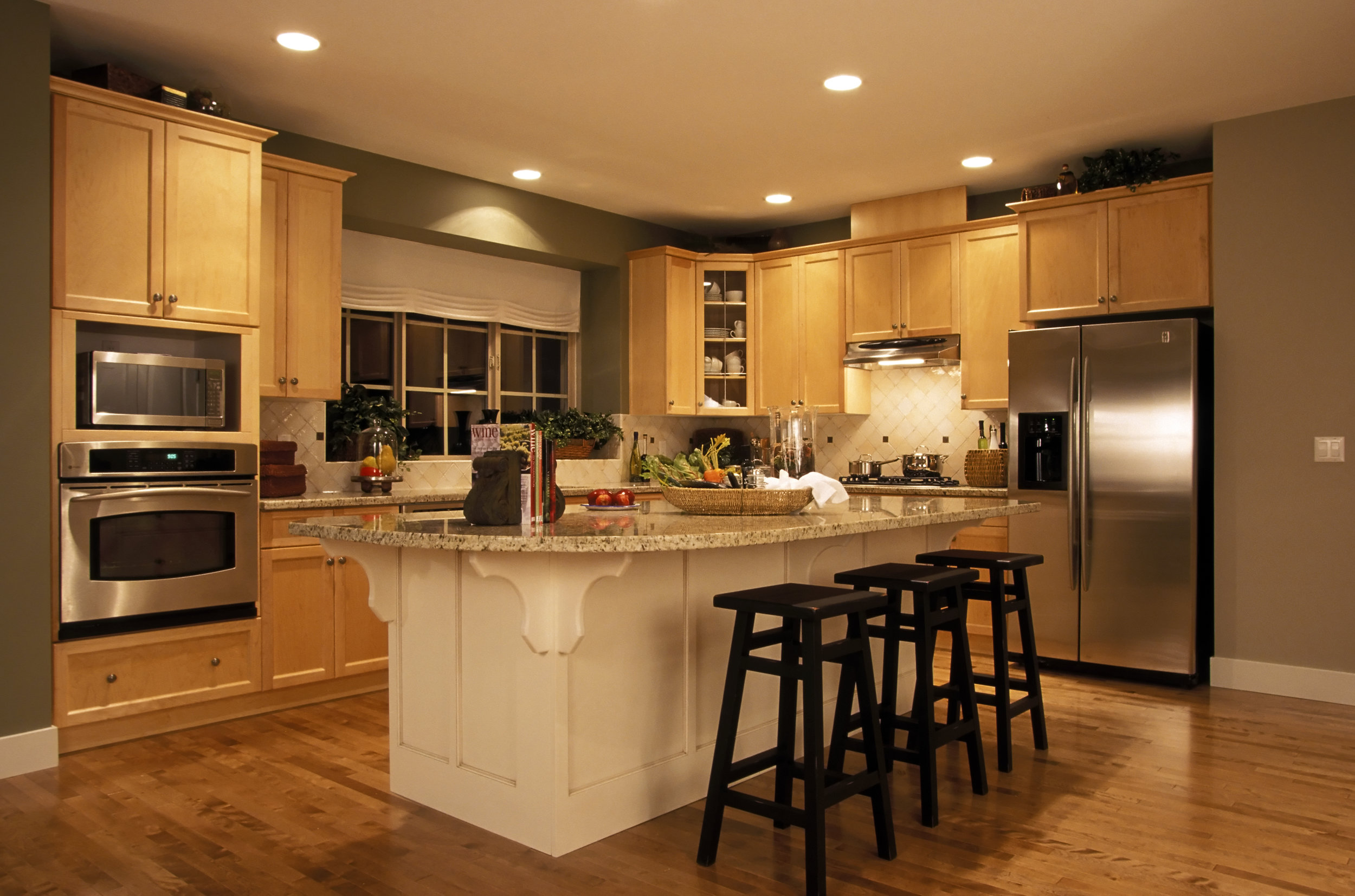 bigstockphoto_Kitchen_In_House_1800000.jpg