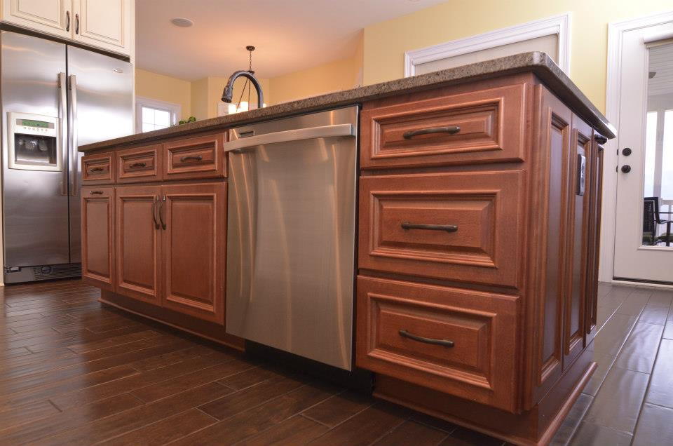 Traditional-Lenox-River-Run-Cabinetry-2.jpg