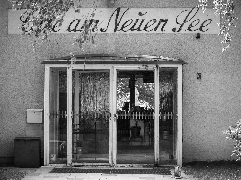 Café am Neuen See. Berlín 2004
