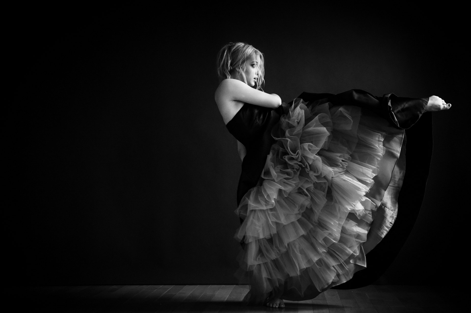 nEO_IMG_Xing Photography Soul of Dance - Haley-104-BW.jpg