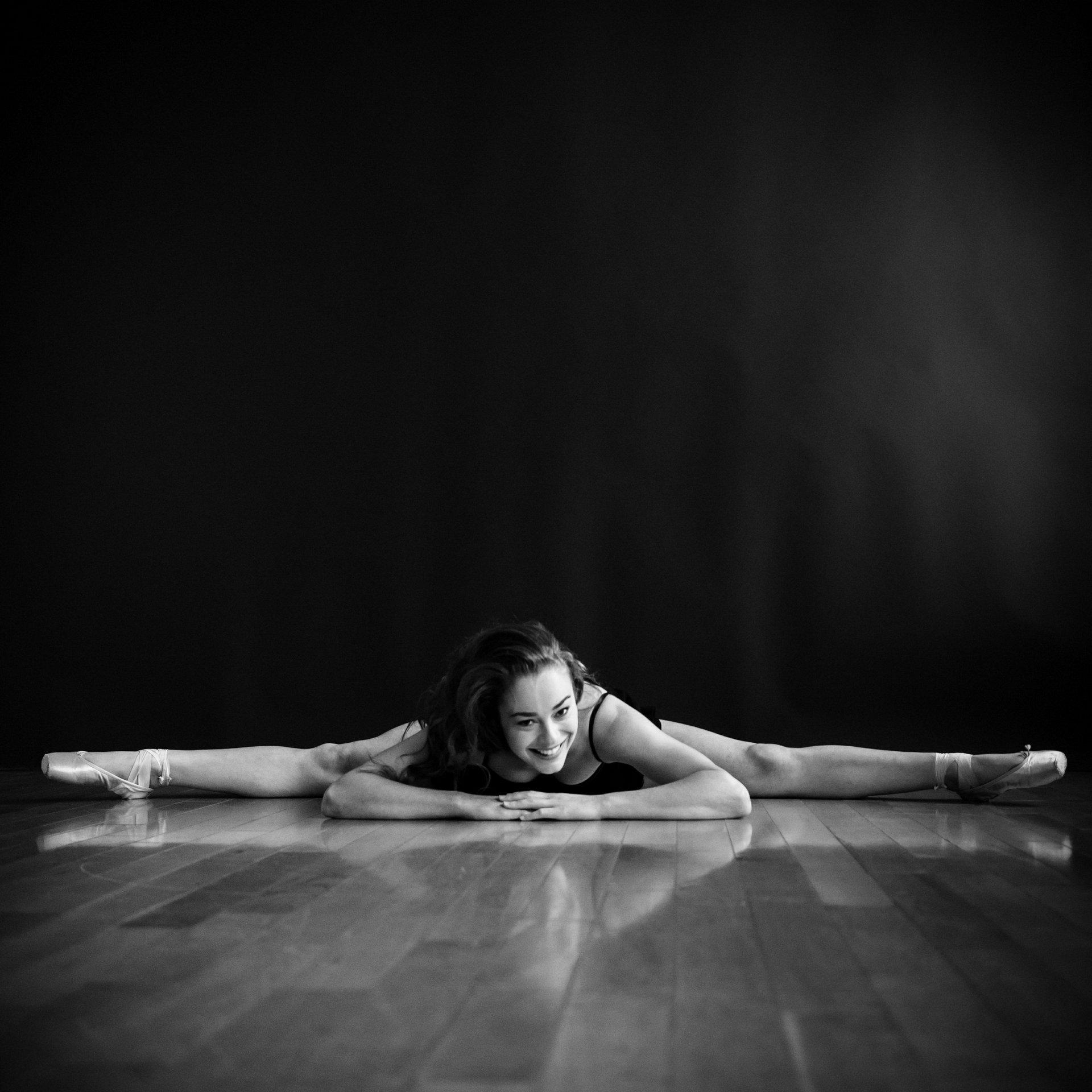 nEO_IMG_Marissa Dance-11-BW.jpg