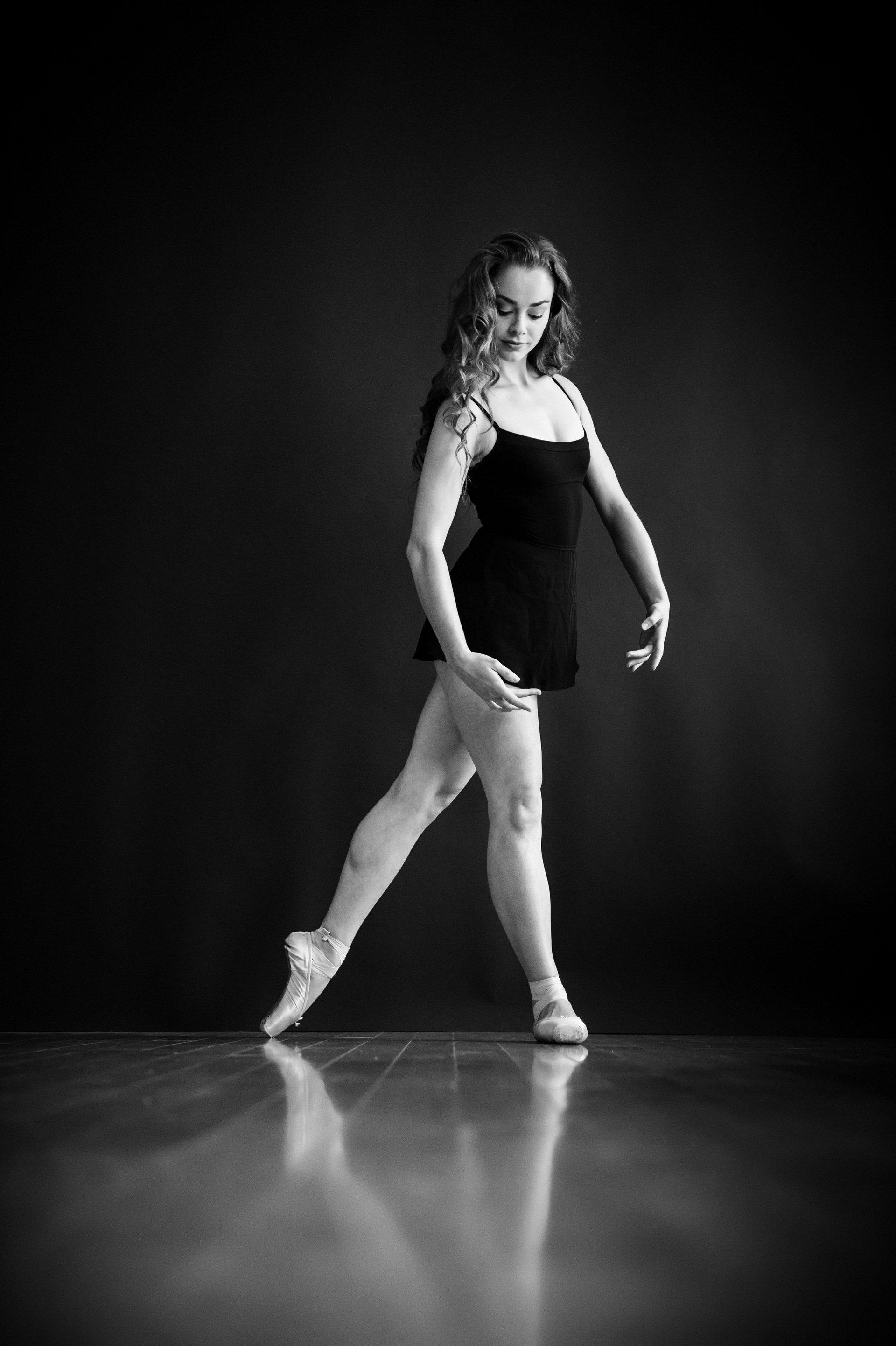 nEO_IMG_Marissa Dance-9-BW.jpg