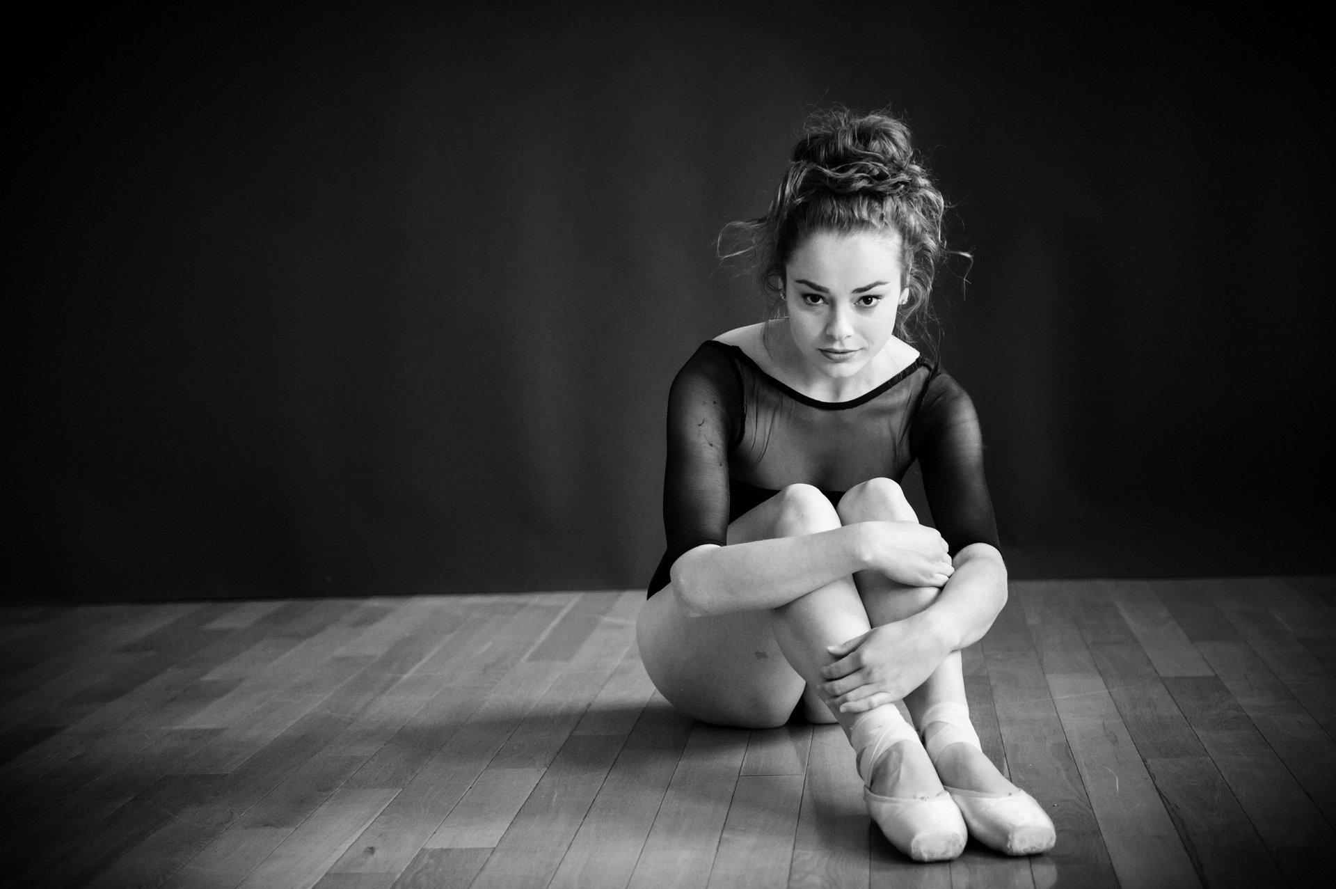 nEO_IMG_Marissa Dance-49-BW.jpg