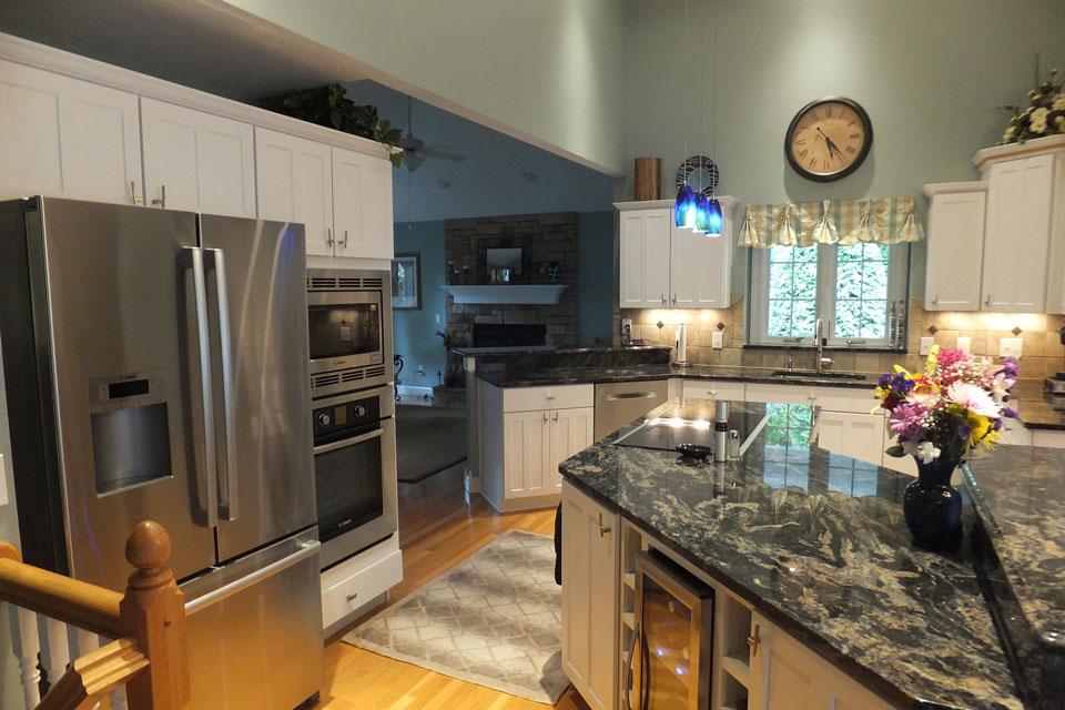 nice-kitchen-ohio-mentor-cabinets.jpg