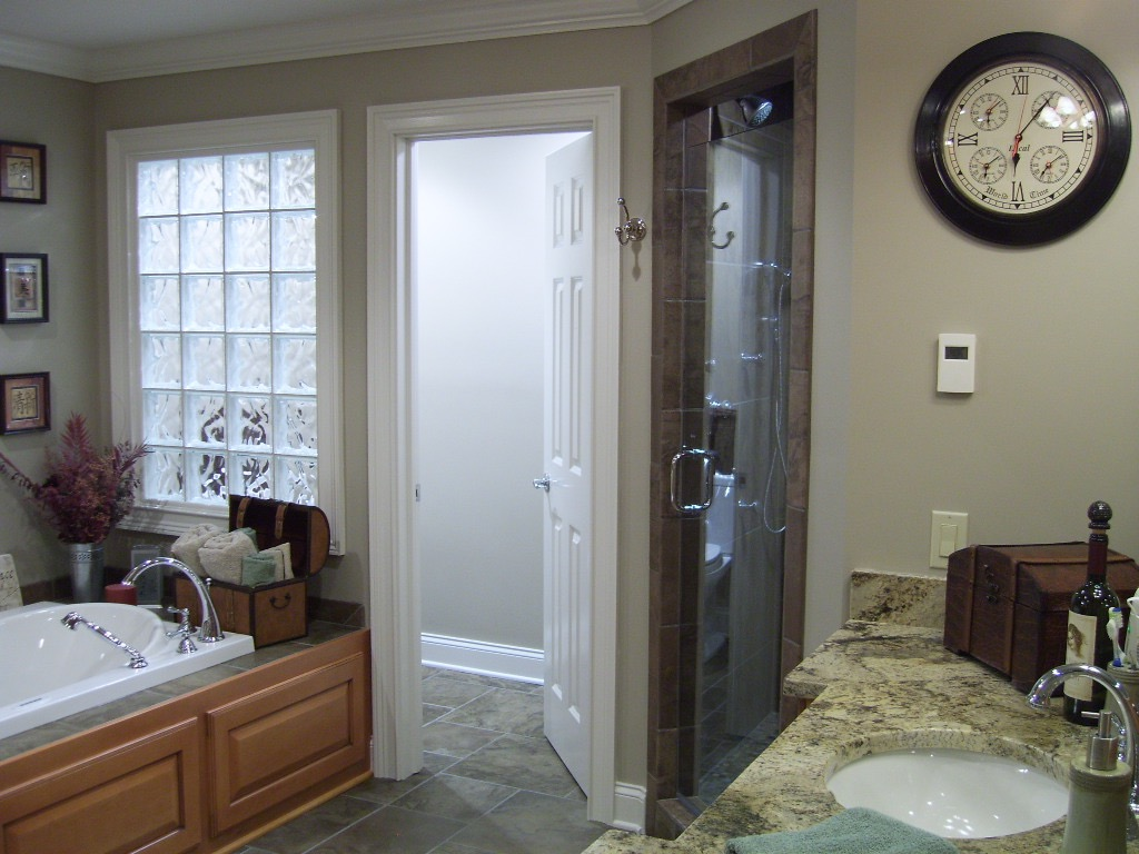 master-bath-suite.jpg