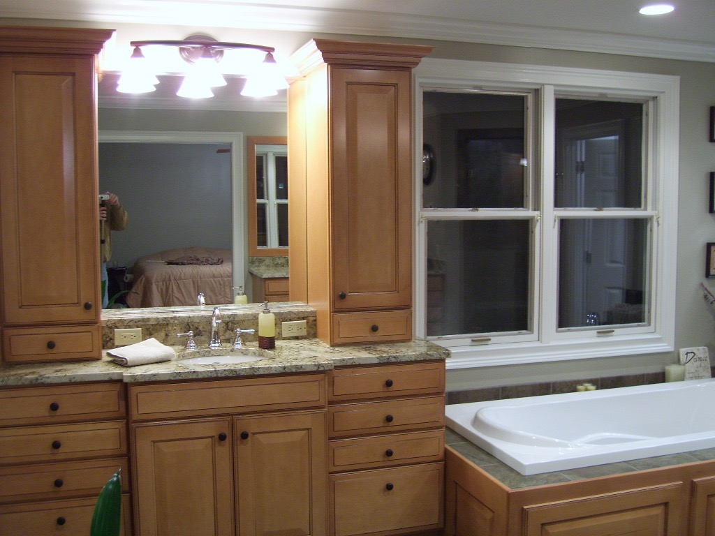 mirror-washroom-bathroom.jpg
