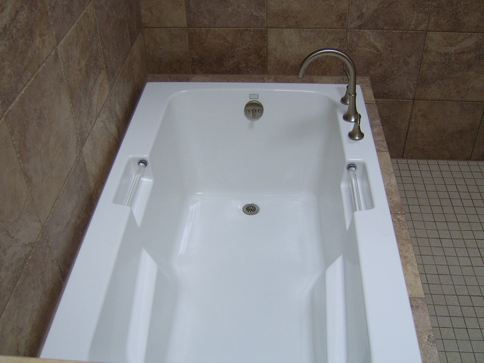 bathroom-tub-large-white.jpg