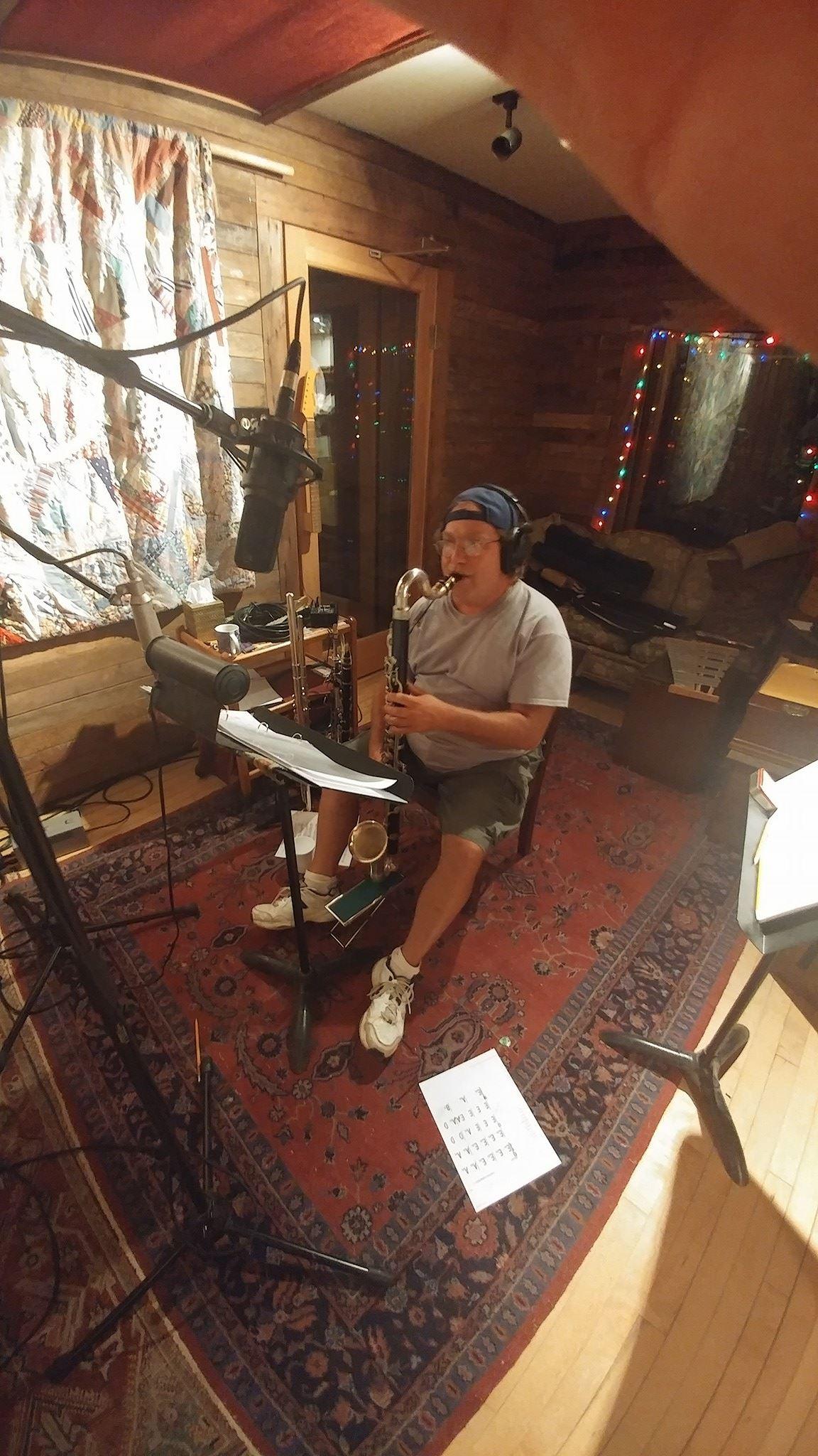 Lee Schloss  on Bass Clarinet.jpg