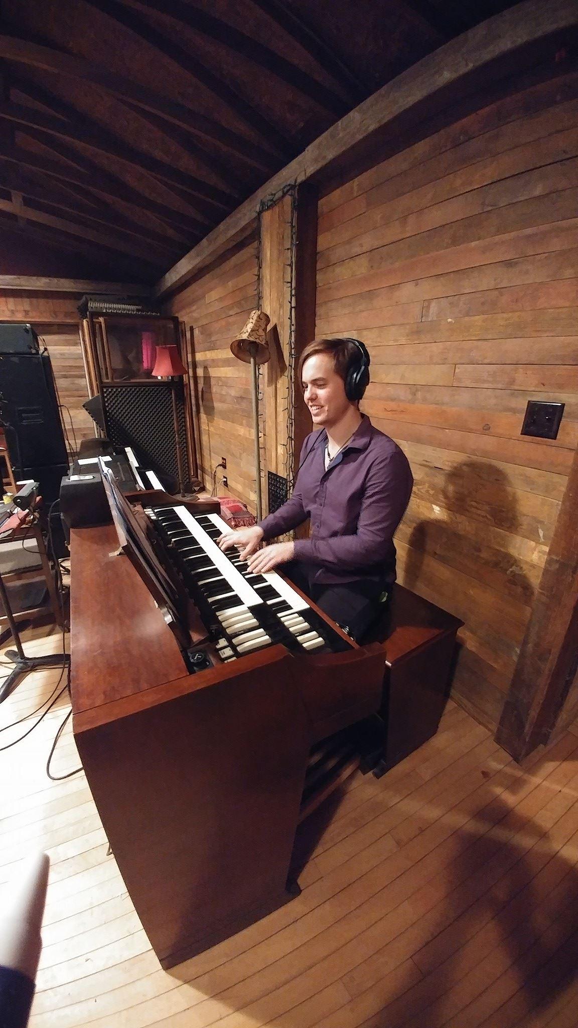 Porter on organ.jpg