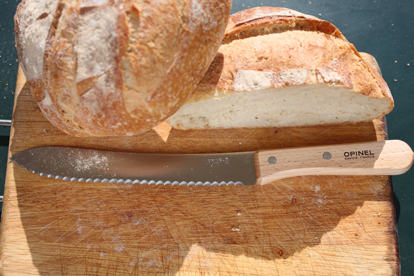 Parrallele Bread Knife No.116 by Opinel