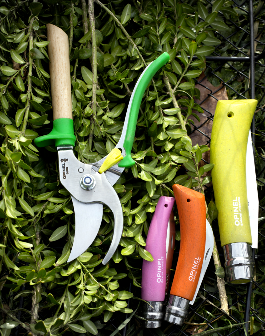 Garden set and sacateurs by Opinel
