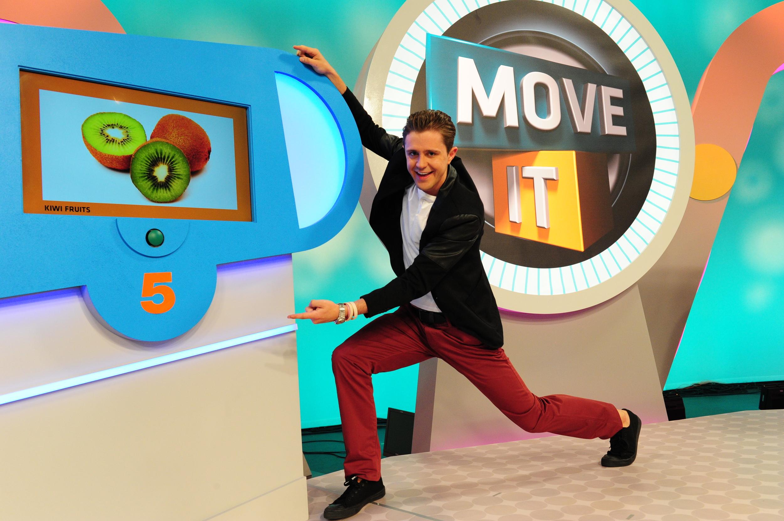 Move_It_Set_Still_17-ID-6128a7b8-7169-42f8-8a2d-4edba5857c7c.jpg