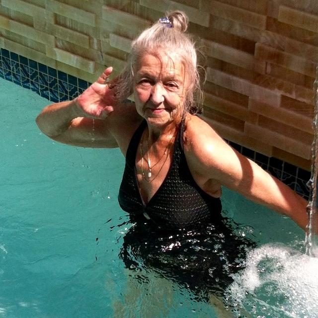 Eleanor in pool