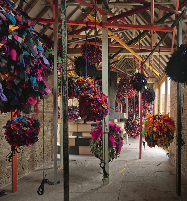 GIG © Phyllida Barlow, courtesy the artist and Hauser & Wirth. Photo: Alex Delfanne