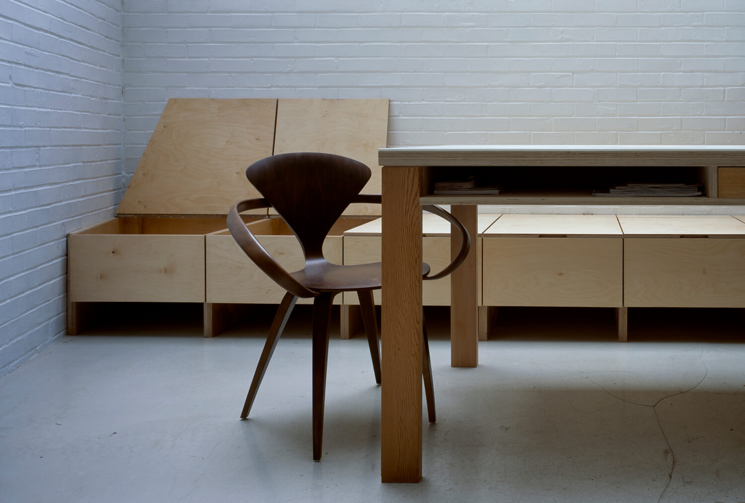 3 Table-Dining-Kitchen-Bizley-Somerset-Architect-Newington-Green-cherner-chair.jpg