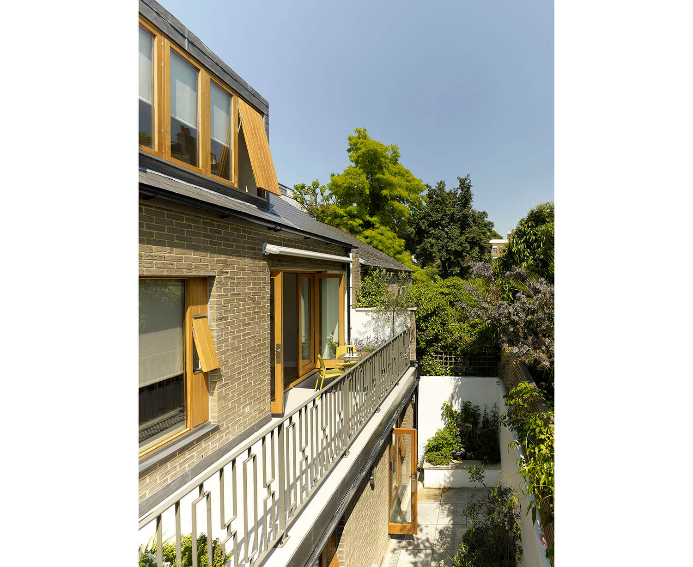 Holland Park Mews House 8 - W1500 RGB.jpg