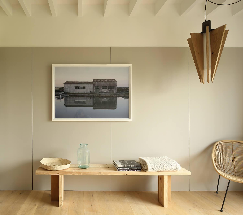 Bedroom-bench-light.jpg