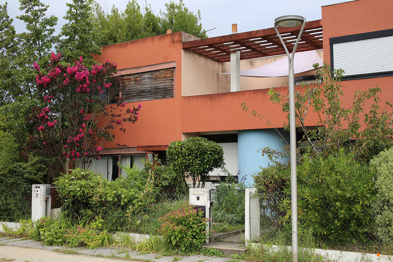 Le-Corbusier-Cite-Fruges-Pessac-pergola-Bizley-Somerset-Architect.jpg
