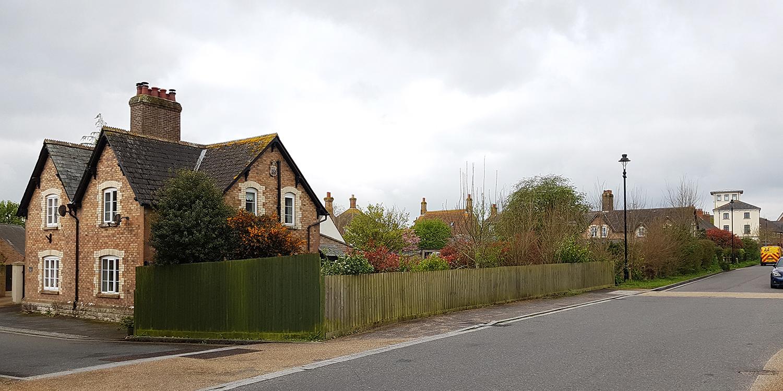 Poundbury-Dorset-Architect-housing-vernacular-garden.jpg
