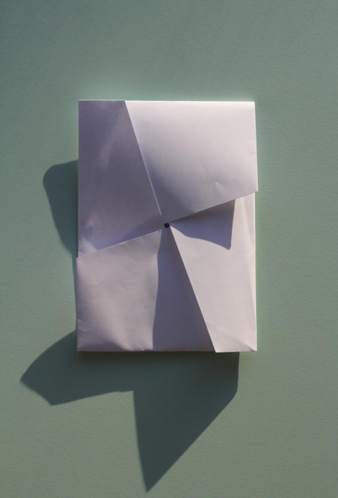 Voila! Ét styk foldet papir med plads til print, udklip, et brev eller andet godt.