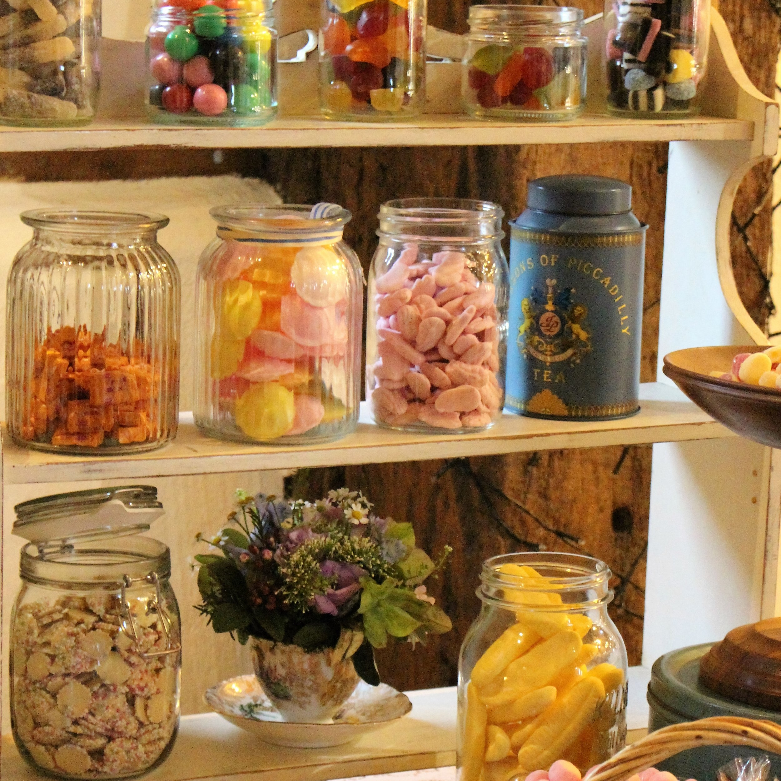 candy table - sweets for my sweet.JPG