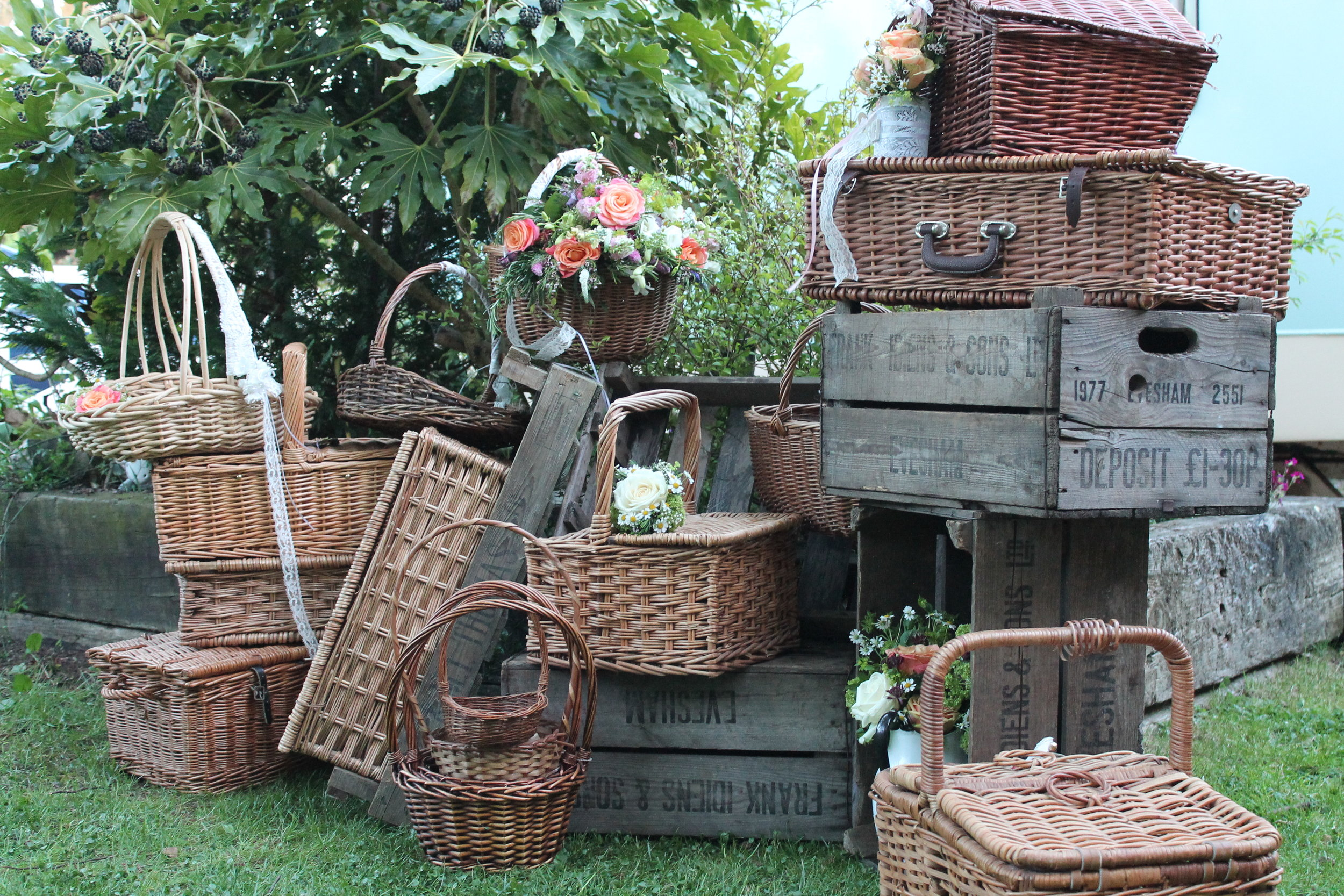 crates hire and baskets.JPG