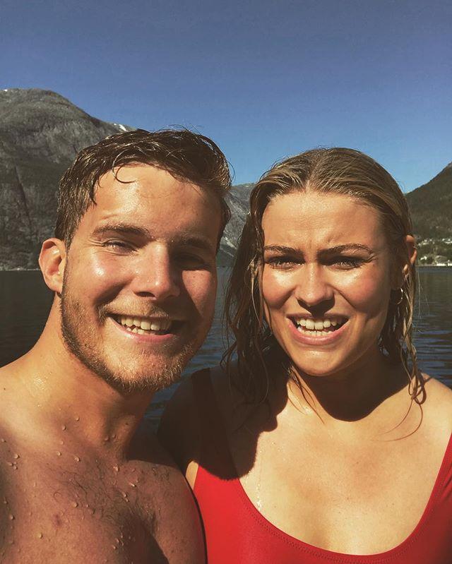 Sånn ser vi alltid ut når vi har badet i Hardangerfjorden ⛲️