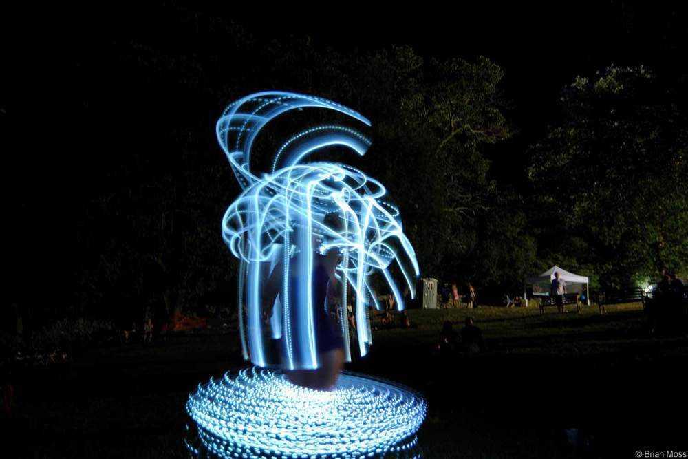 hula-hoop-time-lapse-spinne _compressed.jpg