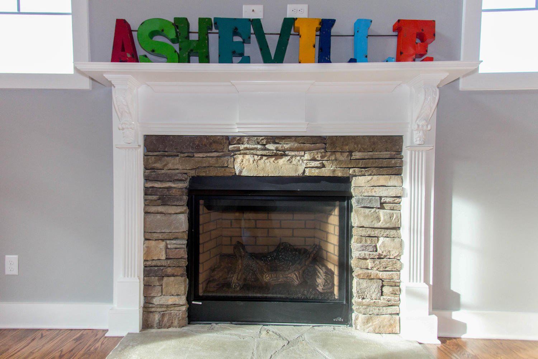 14 Magnolia Valley Ct-large-014-65-Fireplace Detail-1500x1000-72dpi.jpg
