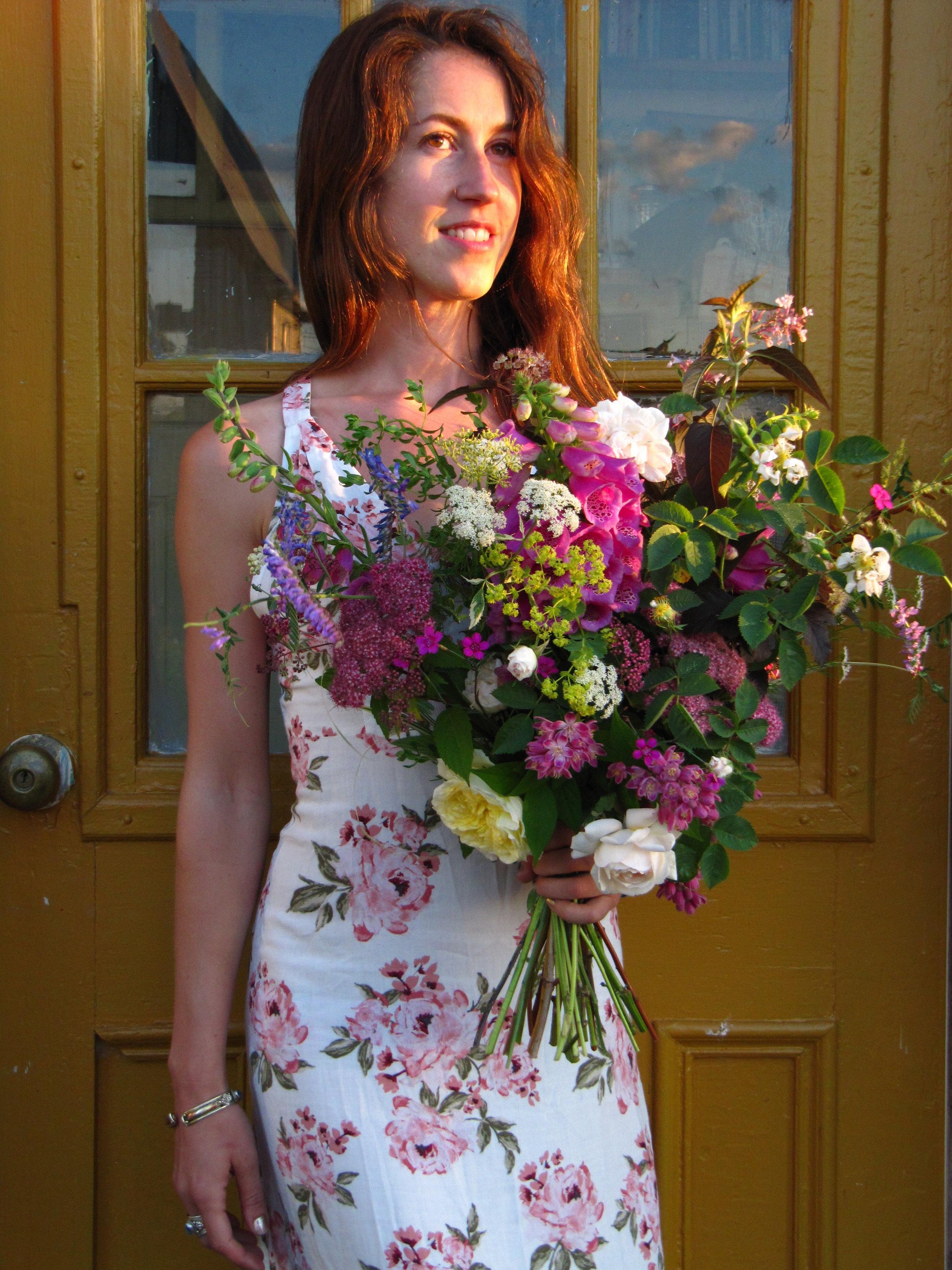 Halifax bouquet subscription / flower CSA 2018. Luxury hand-tied farm fresh flowers. Hedgerow Flower Company (flower farm and florist), Nova Scotia, Canada.