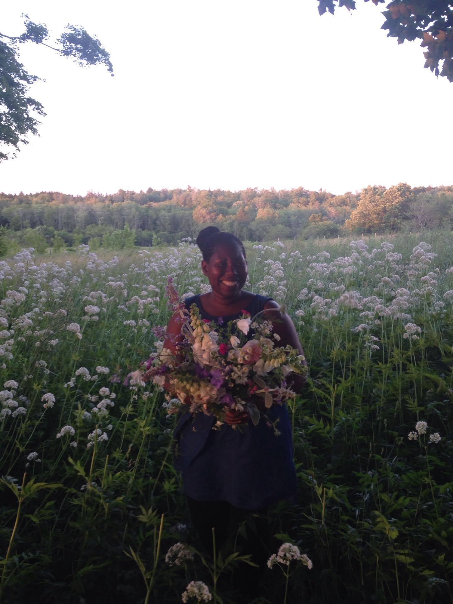 Halifax bouquet subscription / flower CSA 2018. Luxury hand-tied farm fresh flowers. Hedgerow Flower Company, Nova Scotia, Canada.