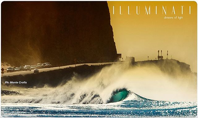 Super stoked and grateful to be featured on this #doubletruck in the #illuminati section of one of the finest surfing photography magazines I've ever seen.  A true labor of love by @joefosterhc and friends @aladdinsurfmag_ #issue13 #art #aladdinsurfmag #surfphotography #sandblasted #california #waveartseries #805SEA | 📷 @montecrofts ✨