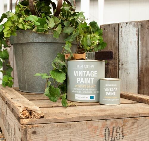 Chalk Paint Workshops- Learn the art of one and two colour ageing for a French Inspired look.