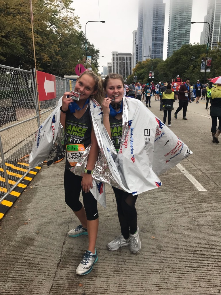 kelly-lynch-skyler-lawson-chicago-marathon-chi-omega.jpg