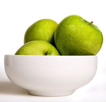 fresh-clean-green-colored-granny-smith-apples-372x544.jpg