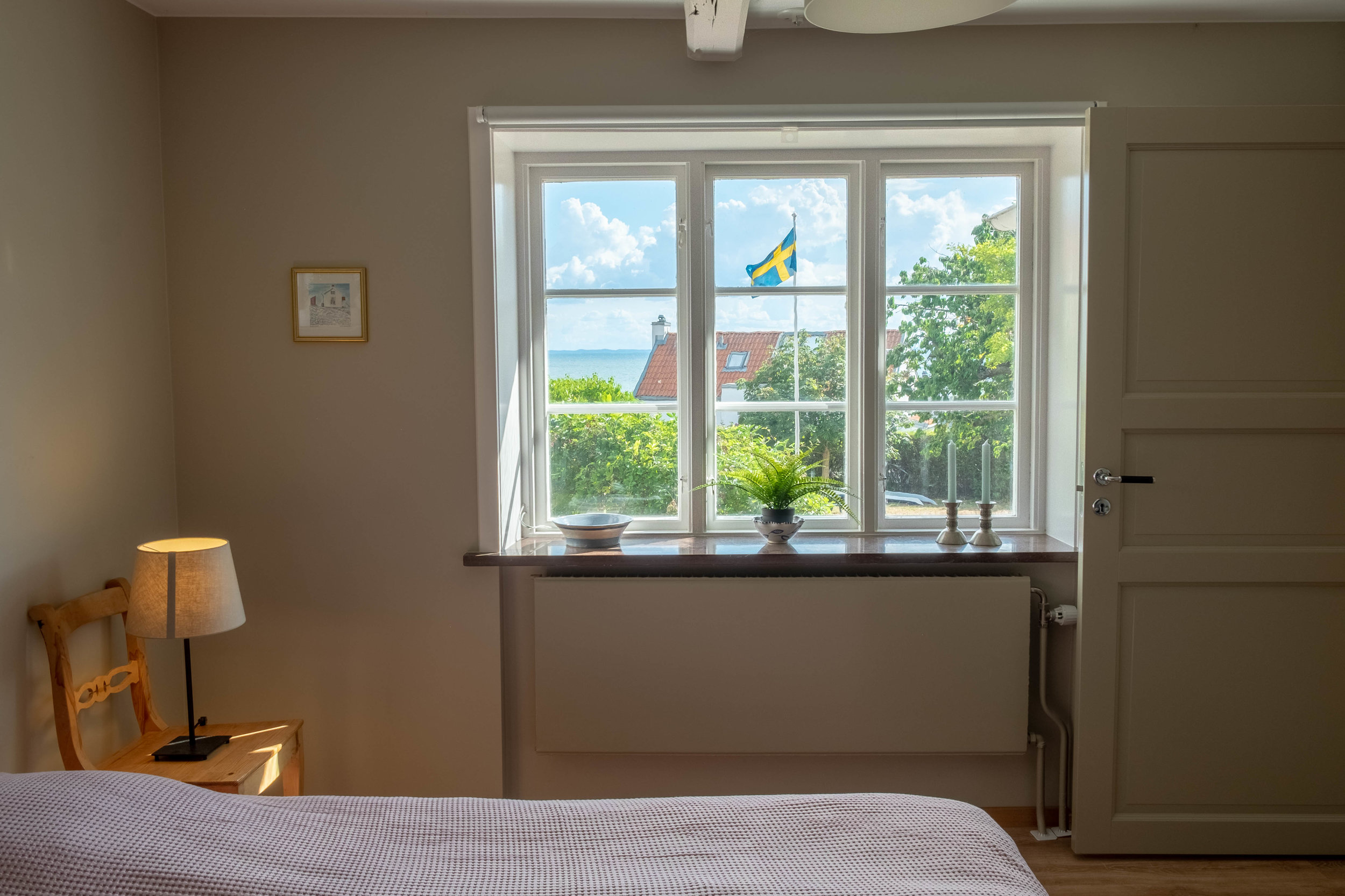 utsikt från sovrum 1.jpg