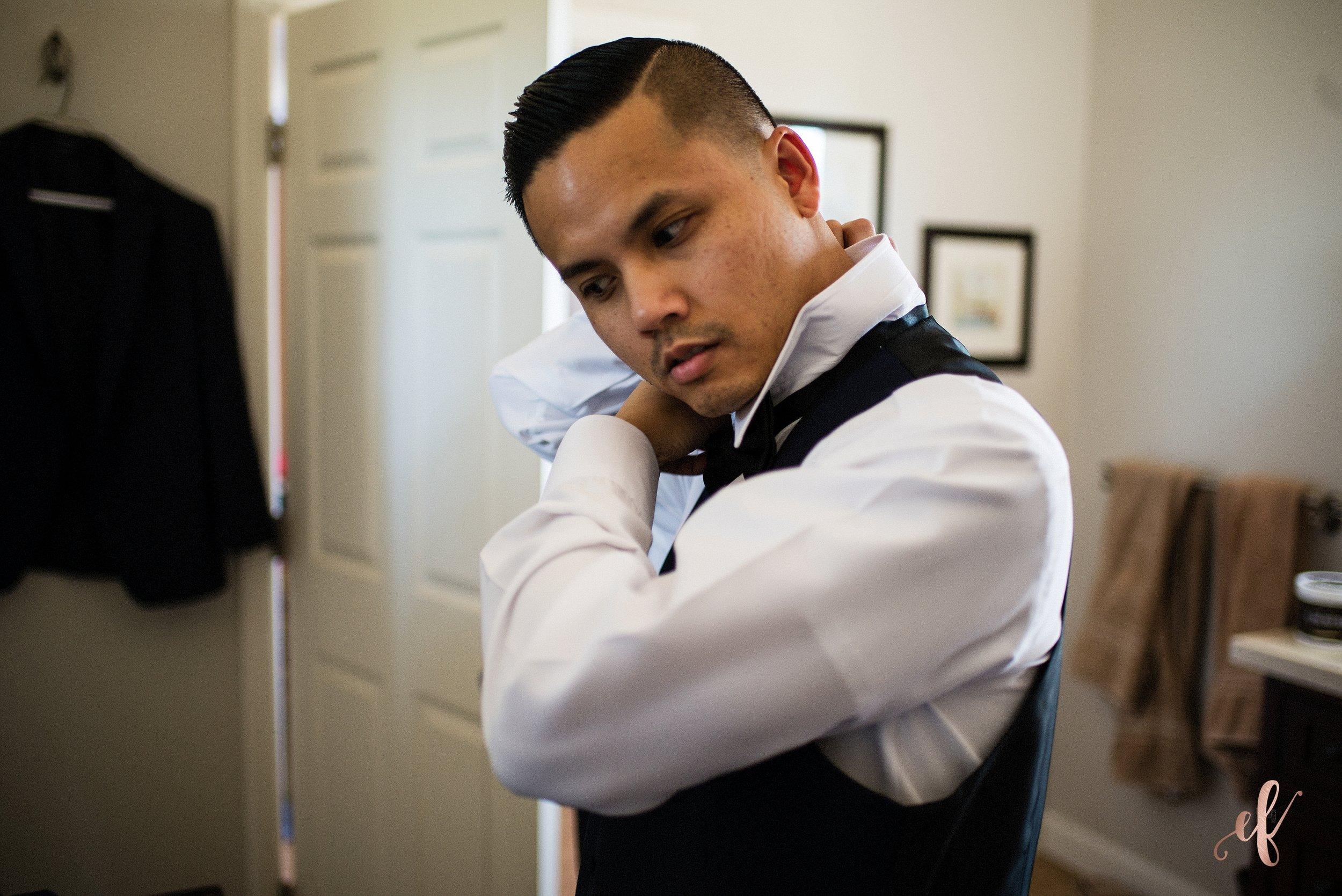 San Diego Wedding Photographer | Temecula Coach House | Groom prep
