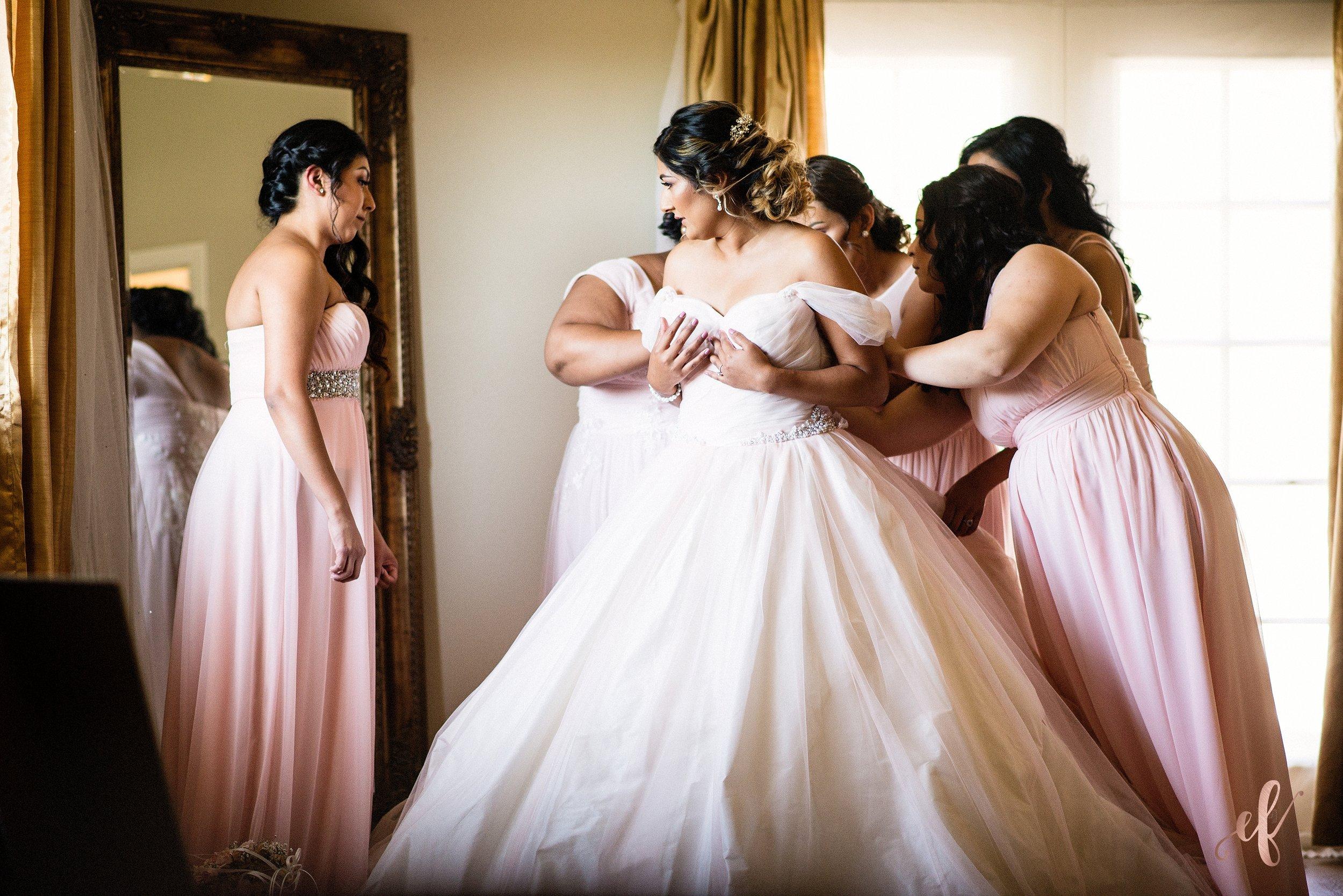 San Diego Wedding Photographer | Temecula Coach House | bridal prep