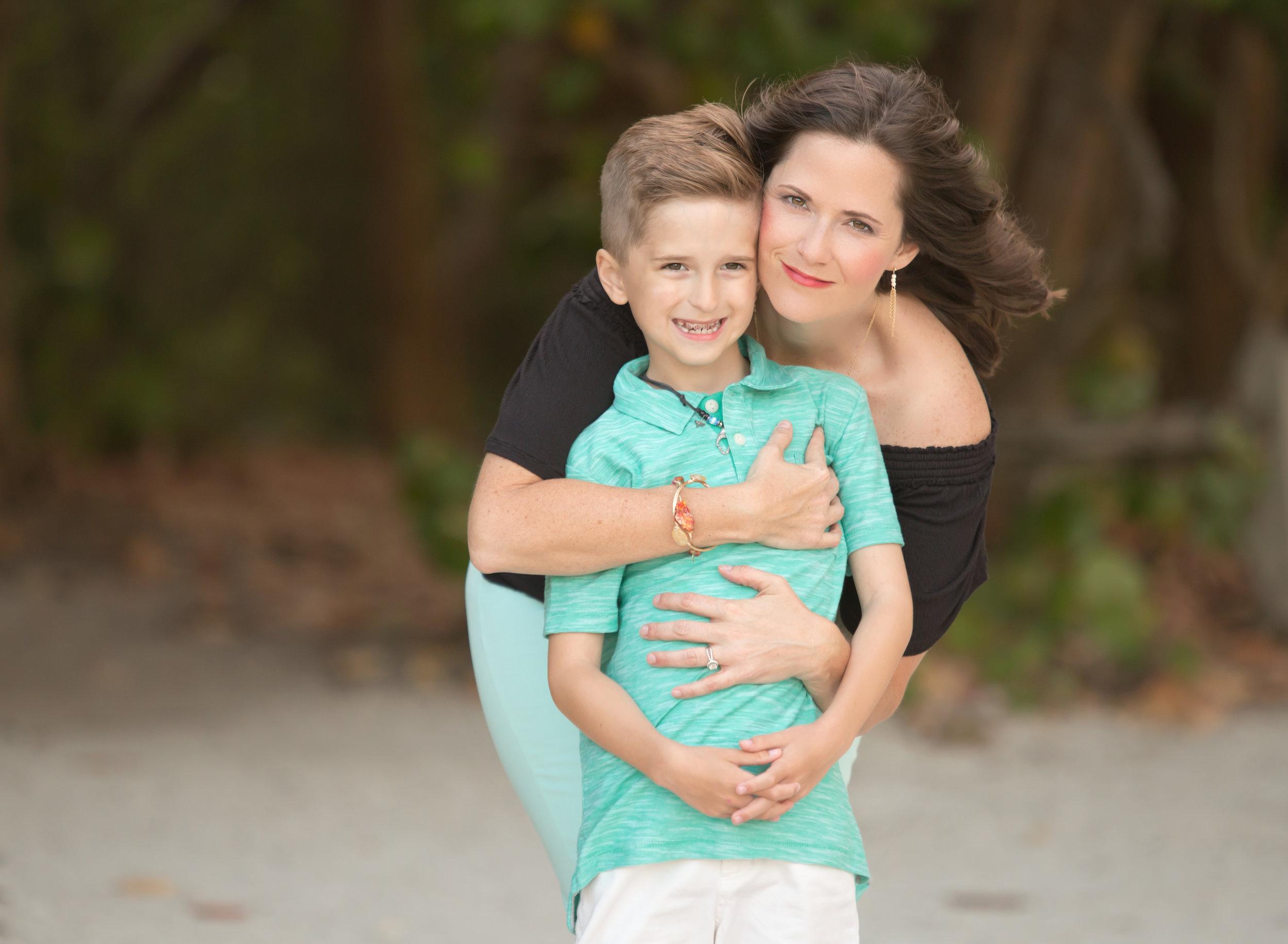 boca-raton-child-photographer-parkland-family-photographer-coral-springs-wellington-lake-worth-boynton-lantana-alissa-delucca-photography-mom-with-son.jpg