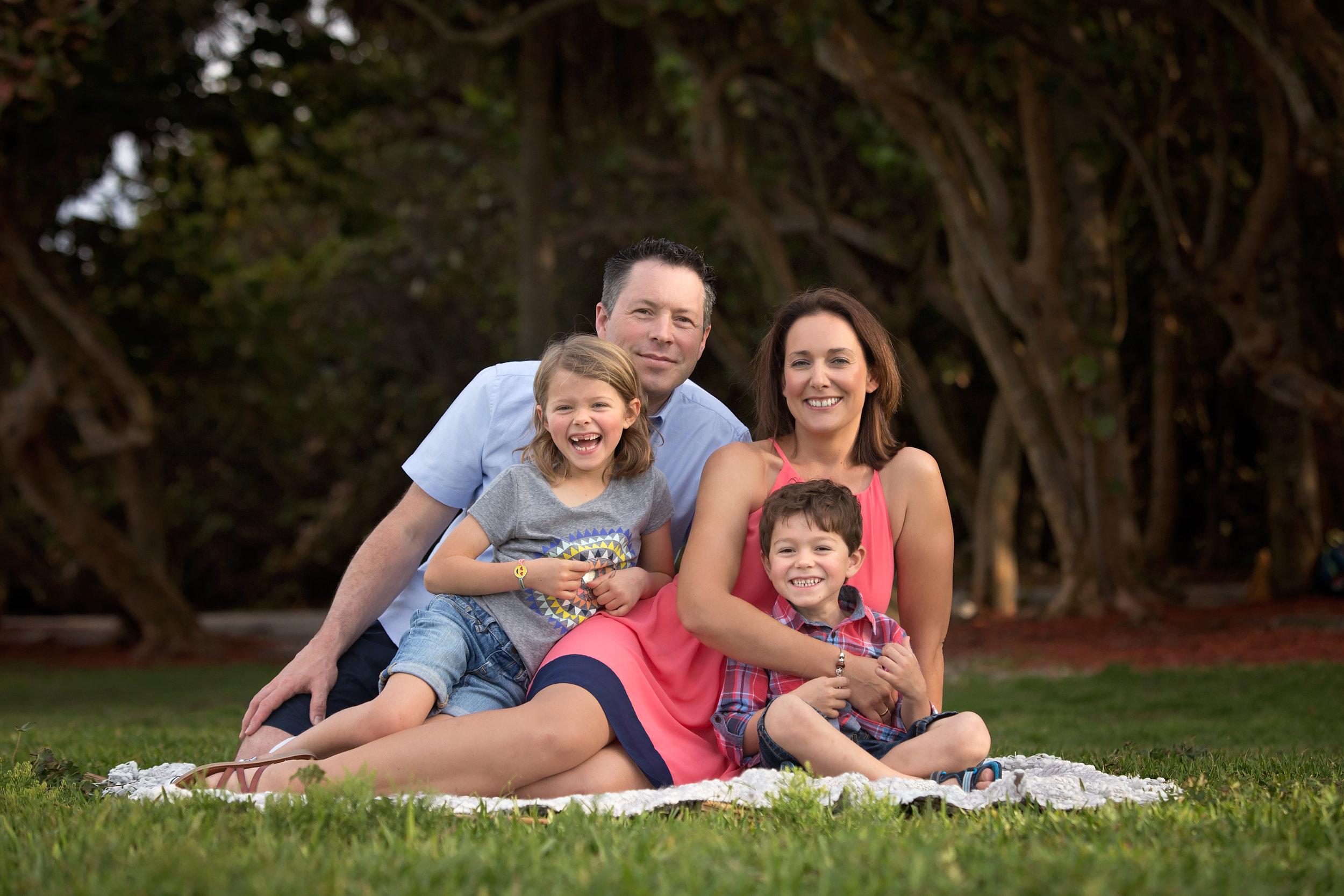 boca-raton-child-photographer-parkland-family-photographer-coral-springs-wellington-lake-worth-boynton-lantana-alissa-delucca-photography-park-family.jpg