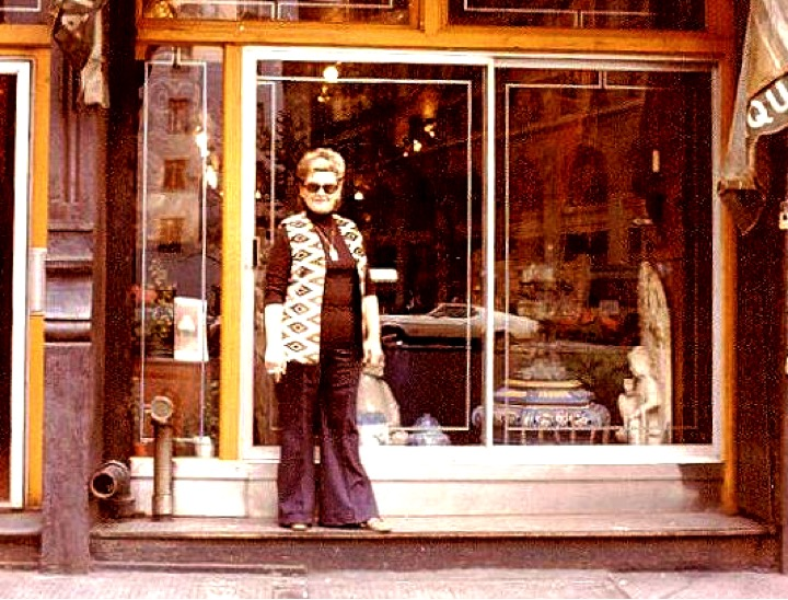 Phyllis in front of Rudi's new store