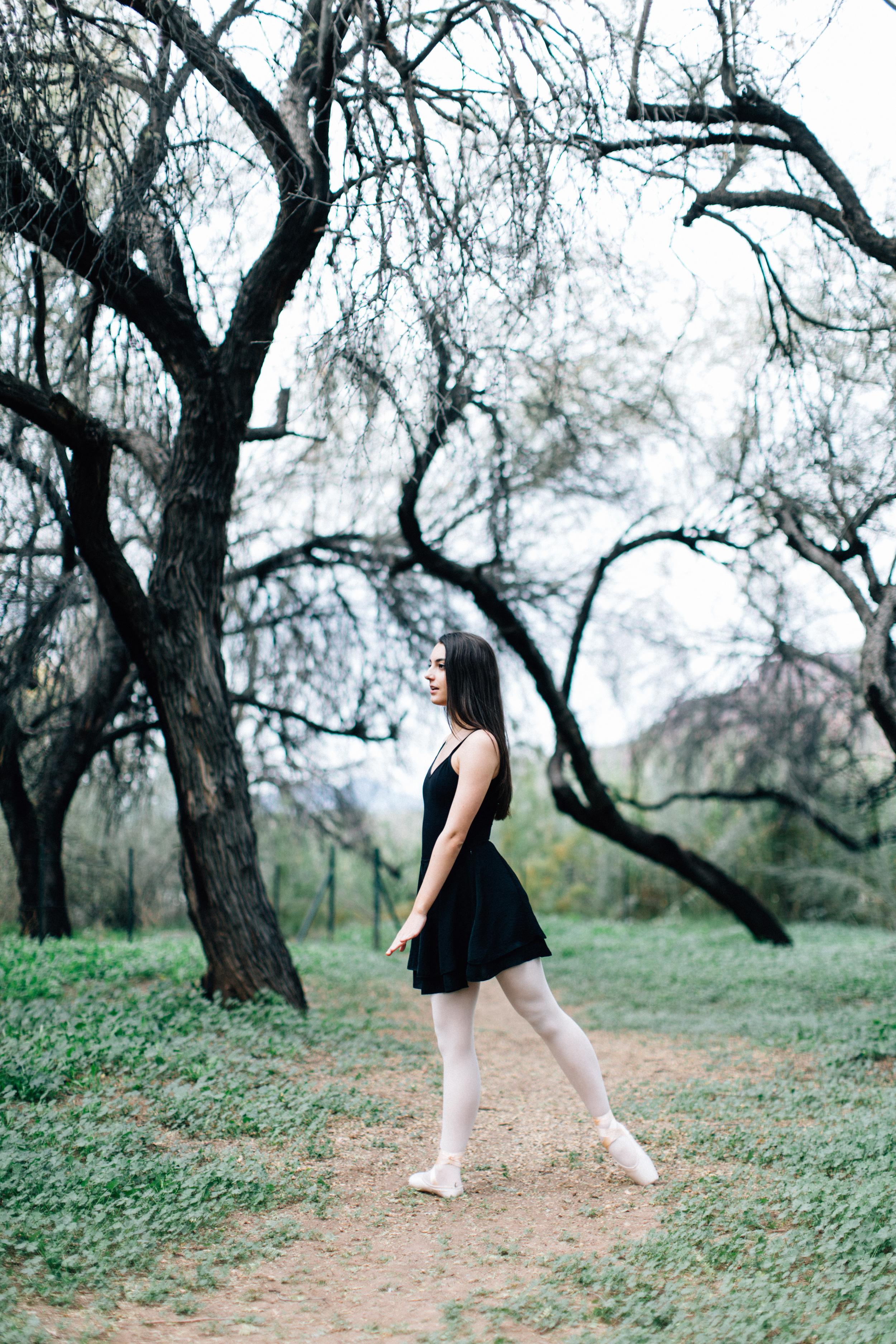 CharlotteJennaSeniorShoot-16.jpg
