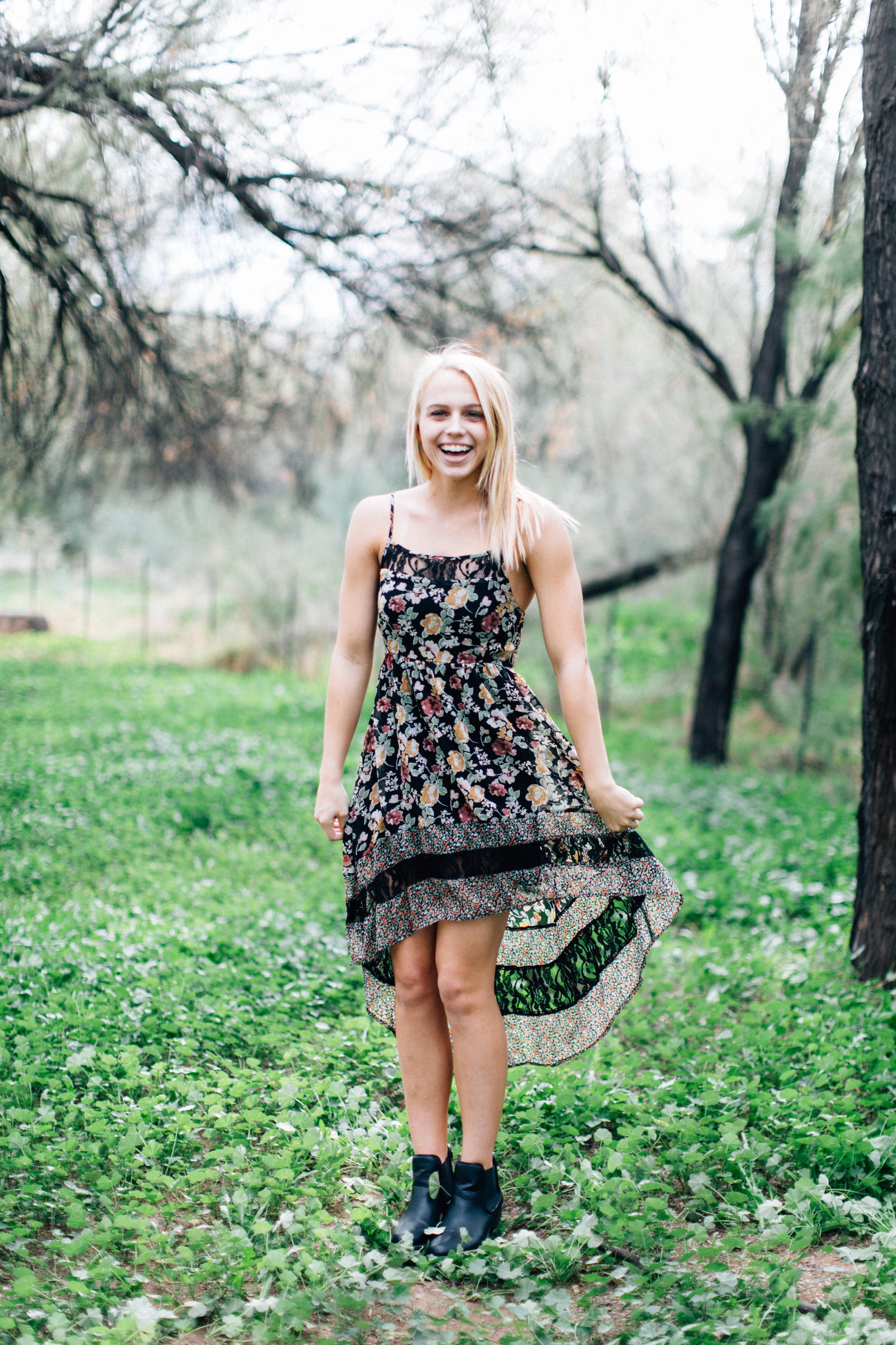 CharlotteJennaSeniorShoot-35.jpg